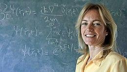 """Karen Hallberg: """"La ciencia se basa en la creatividad y el arte"""""""