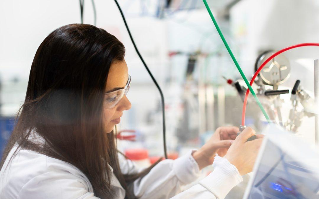 La falta de visibilización y la autoexigencia son dos grandes barreras para el papel de la mujer en la ciencia