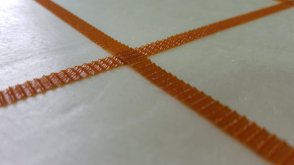 Celdas delimitadas con cinta rugosa